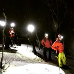 snöskovandring i mörker